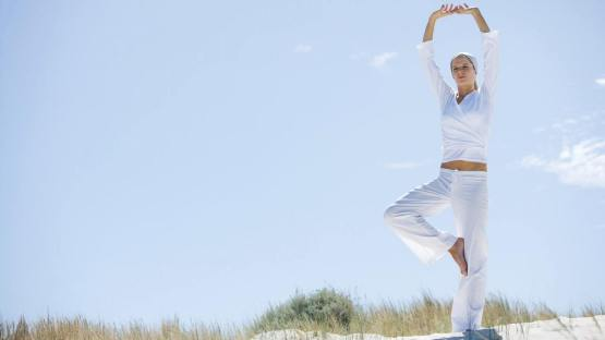yoga-wallpaper-1366x768